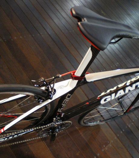 2011_giant_05.jpg