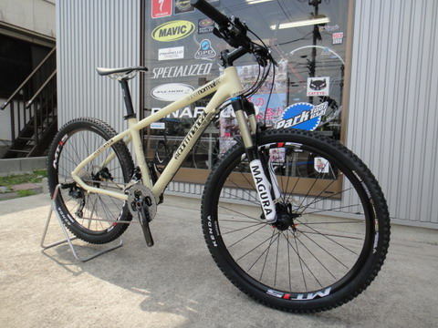 2013_commencal_supernormal_01.jpg